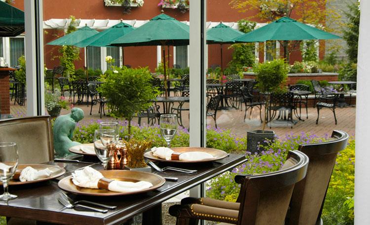 eves garden restaurant portland harbor hotel